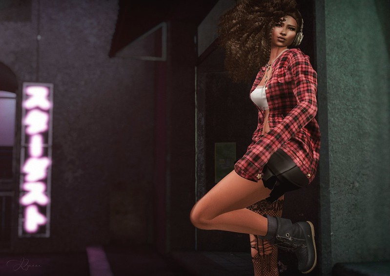 •{ Waiting for it . . . – Trappings of a SecondLife